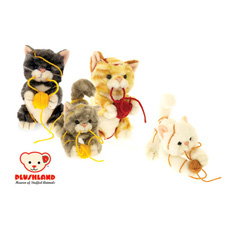 Plushland Kittens With Yarn 8